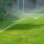 Система автоматического полива газона в Испании